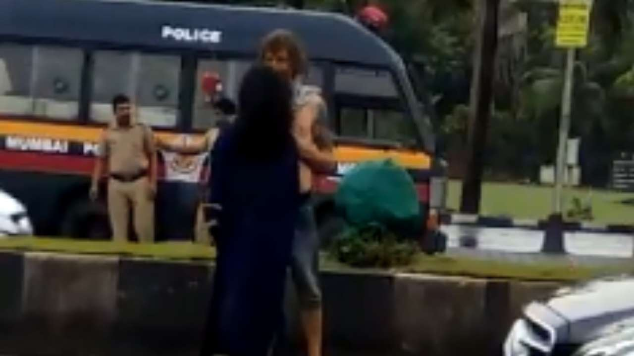 mumbai road sex Incident