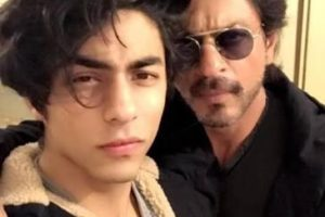 Tell Who is more handsome Shahrukh's son Aryan or Sunny Deol's son Karan?