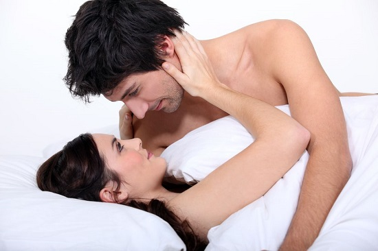 6 Little Ways To Make Her Feel More Secure In Your Relationship 30
