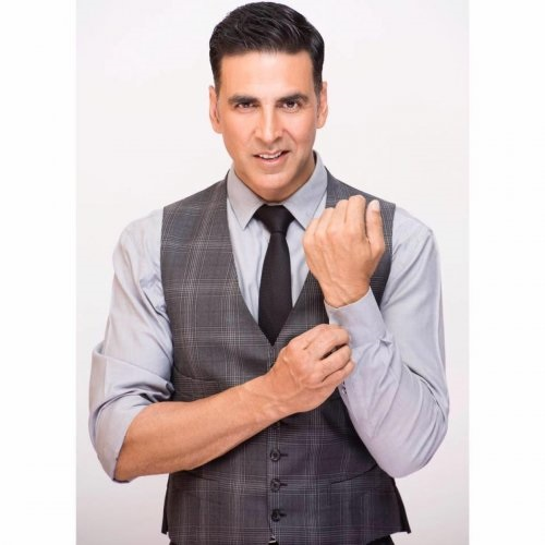 Akshay Kumar Contact Address, Phone Number, Whatsapp Number, Email ID, Website 32
