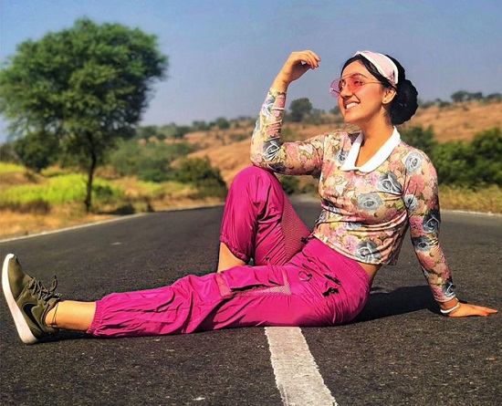Ashnoor Kaur Contact Address, Phone Number, Whatsapp Number, Email ID, Website 33
