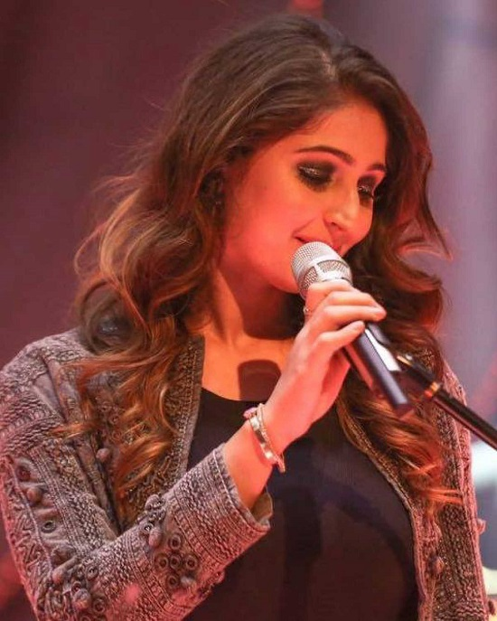 Dhvani Bhanushali Contact Address, Phone Number, Whatsapp Number, Email ID, Website 37