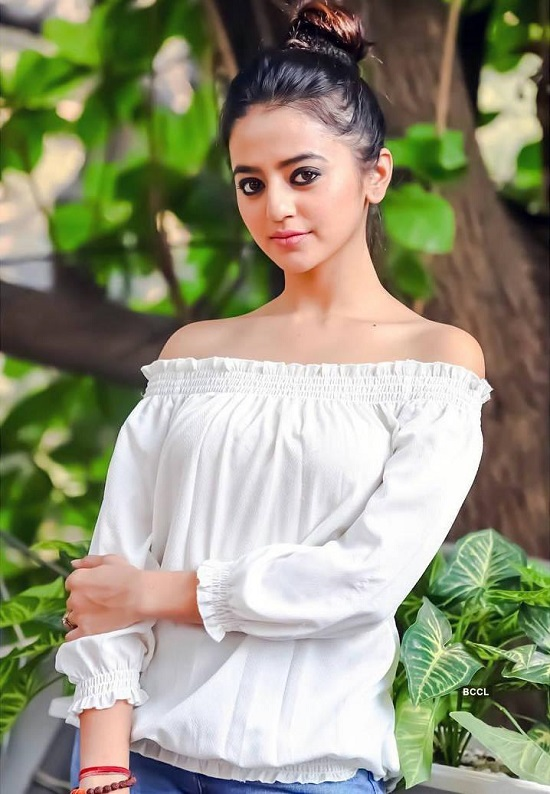 Helly Shah Contact Address, Phone Number, Whatsapp Number, Email ID, Website 28