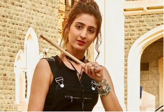 Dhvani Bhanushali Contact Address, Phone Number, Whatsapp Number, Email ID, Website 34