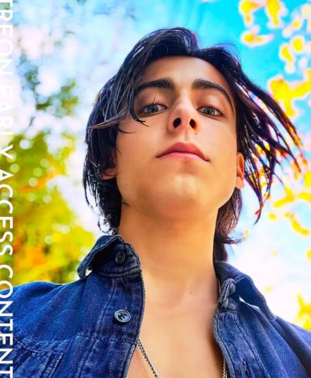 Aidan Gallagher Contact Address, Phone Number, Whatsapp Number, Email ID, Website 40