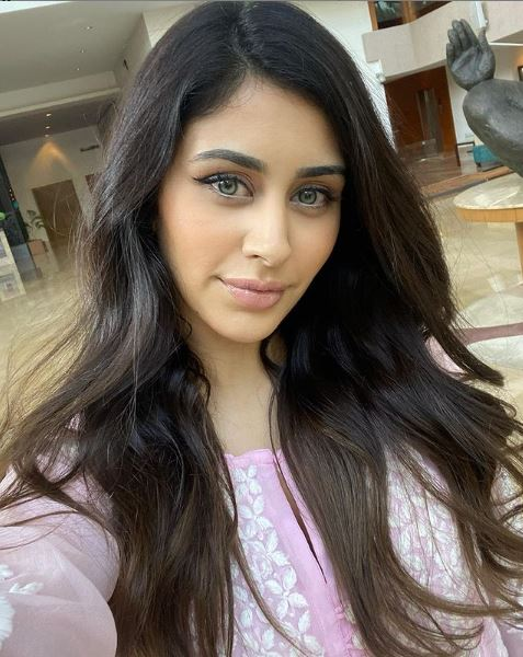Warina Hussain Contact Address, Phone Number, Whatsapp Number, Email ID, Website 1