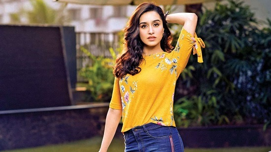 Shraddha Kapoor Contact Address, Phone Number, Whatsapp Number, Email ID, Website 33