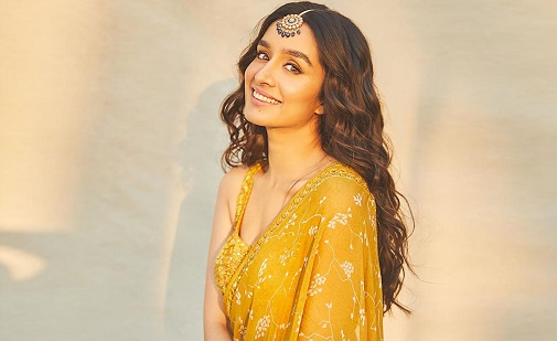 Shraddha Kapoor Contact Address, Phone Number, Whatsapp Number, Email ID, Website 41