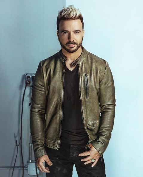Luis Fonsi Contact Address, Phone Number, Whatsapp Number, Email ID, Website 6