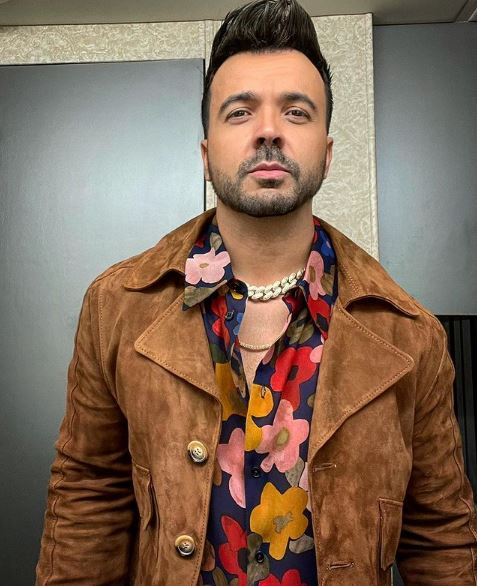 Luis Fonsi Contact Address, Phone Number, Whatsapp Number, Email ID, Website 4