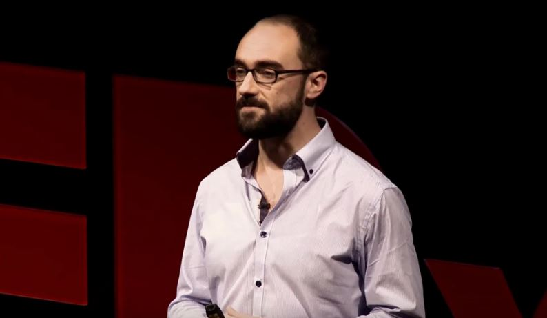 Michael Stevens Vsauce Contact Address, Phone Number, Whatsapp Number, Email ID, Website 6