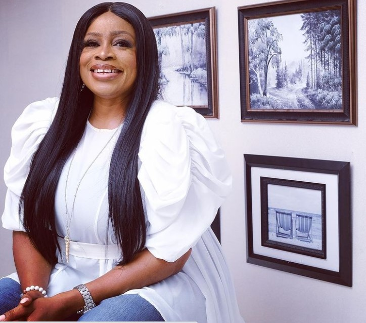 Sinach Contact Address, Phone Number, Whatsapp Number, Email ID, Website 20