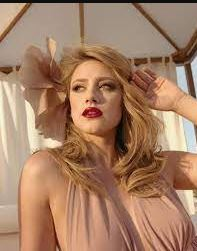 Lili Reinhart Contact Address, Phone Number, Whatsapp Number, Email ID, Website 24