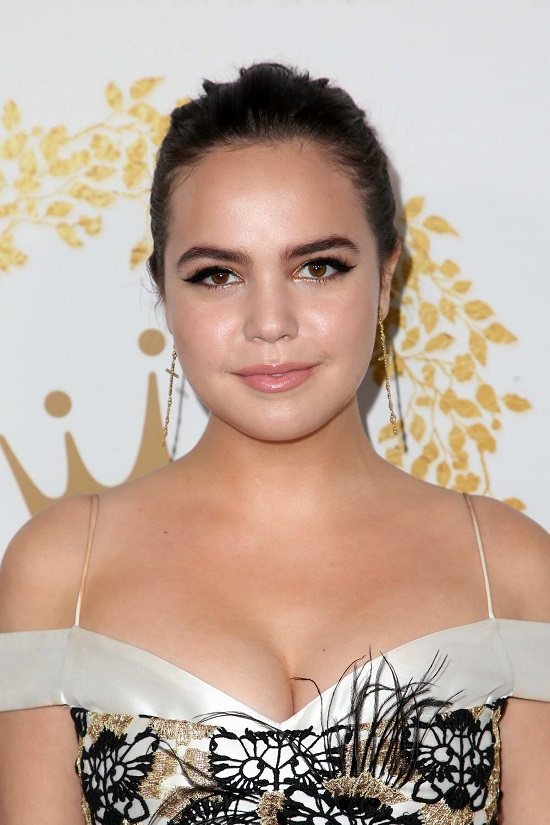 Bailee Madison Contact Address, Phone Number, Whatsapp Number, Email ID, Website 33