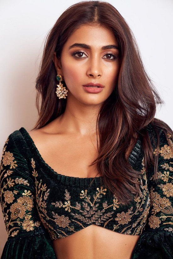 Pooja Hegde Contact Address, Phone Number, Whatsapp Number, Email ID, Website 25