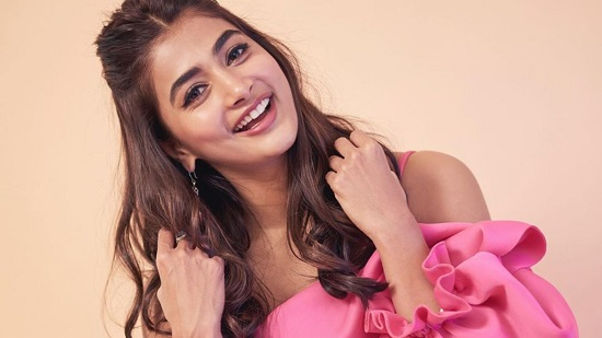 Pooja Hegde Contact Address, Phone Number, Whatsapp Number, Email ID, Website 17