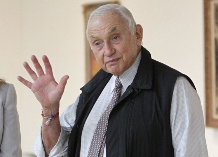 Les Wexner Contact Address, Phone Number, Whatsapp Number, Email ID, Website 2