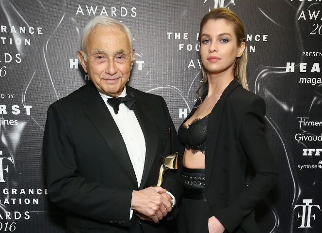 Les Wexner Contact Address, Phone Number, Whatsapp Number, Email ID, Website 6