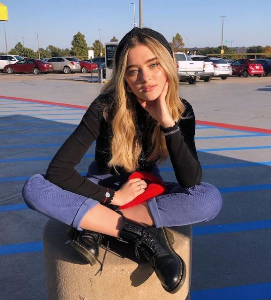 Lizzy Greene Contact Address, Phone Number, Whatsapp Number, Email ID, Website 7