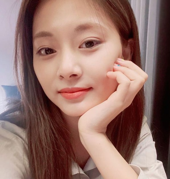 Twice Tzuyu Contact Address, Phone Number, Whatsapp Number, Email ID, Website 15