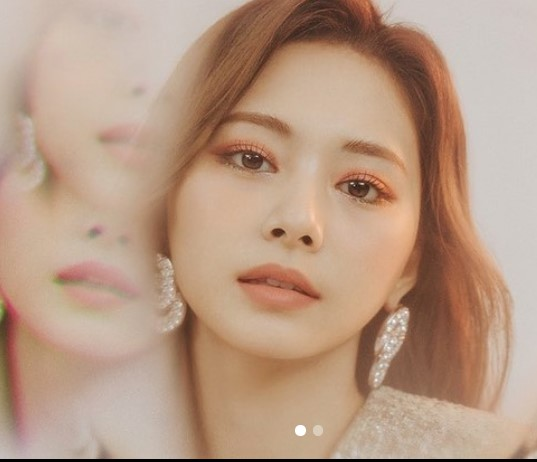 Twice Tzuyu Contact Address, Phone Number, Whatsapp Number, Email ID, Website 11