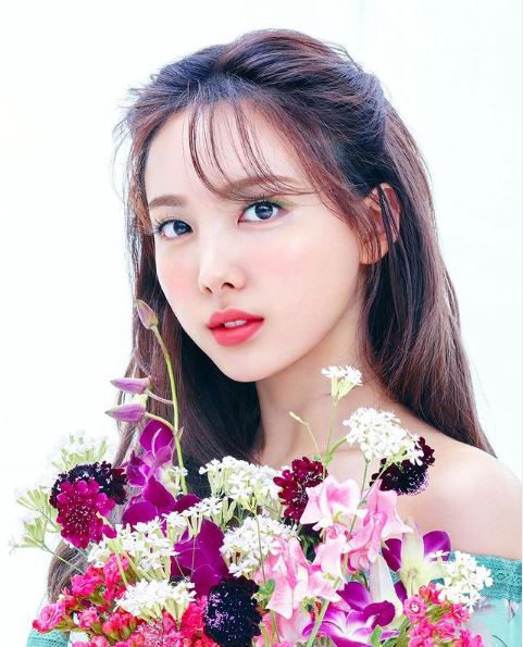 Twice Nayeon Contact Address, Phone Number, Whatsapp Number, Email ID, Website 1