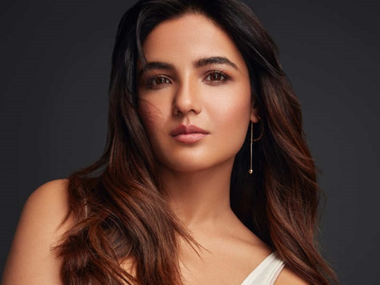 Jasmin Bhasin Contact Address, Phone Number, Whatsapp Number, Email ID, Website 2
