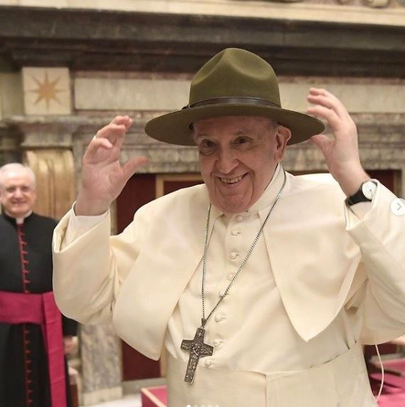 Pope Francis Contact Address, Phone Number, Whatsapp Number, Email ID, Website 11