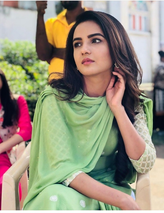 Jasmin Bhasin Contact Address, Phone Number, Whatsapp Number, Email ID, Website 4