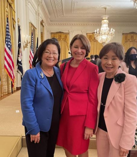 Amy Klobuchar Contact Address, Phone Number, Whatsapp Number, Email ID, Website 11