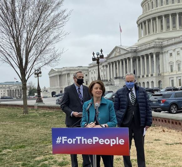 Amy Klobuchar Contact Address, Phone Number, Whatsapp Number, Email ID, Website 12