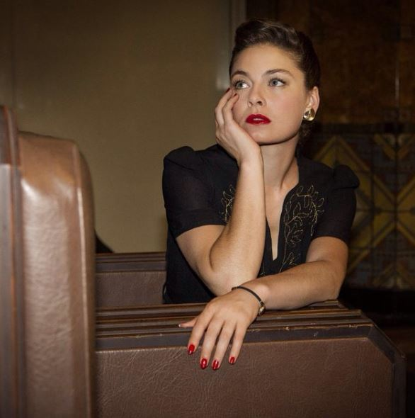 Alexa Davalos Contact Address, Phone Number, Whatsapp Number, Email ID, Website 19