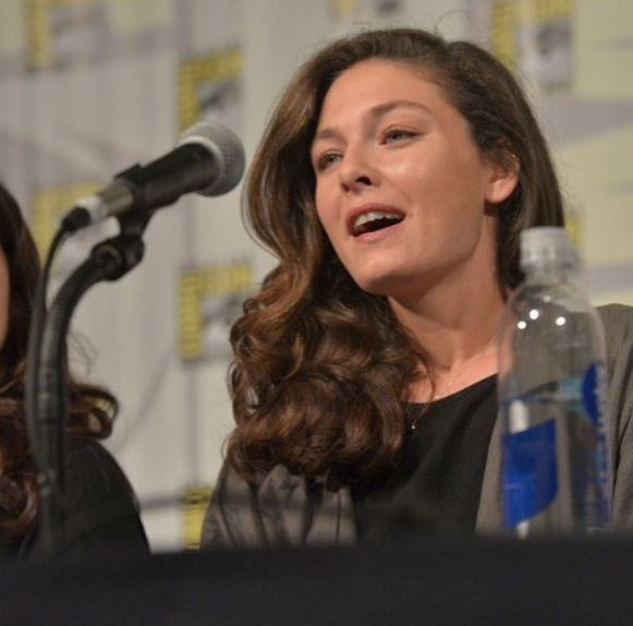 Alexa Davalos Contact Address, Phone Number, Whatsapp Number, Email ID, Website 20