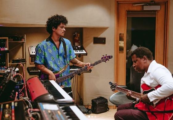 Bruno Mars Contact Address, Phone Number, Whatsapp Number, Email ID, Website 24