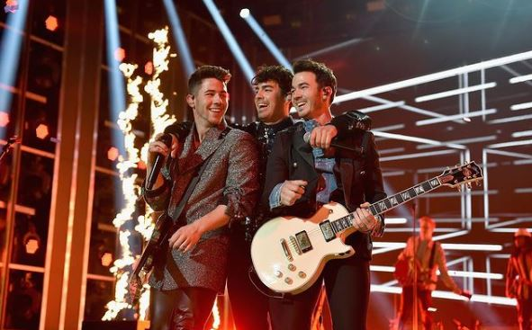 Jonas Brothers Contact Address, Phone Number, Whatsapp Number, Email ID, Website 17