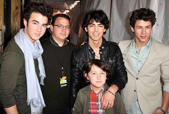 Jonas Brothers Contact Address, Phone Number, Whatsapp Number, Email ID, Website 19