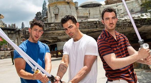 Jonas Brothers Contact Address, Phone Number, Whatsapp Number, Email ID, Website 21