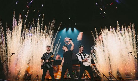 Jonas Brothers Contact Address, Phone Number, Whatsapp Number, Email ID, Website 20