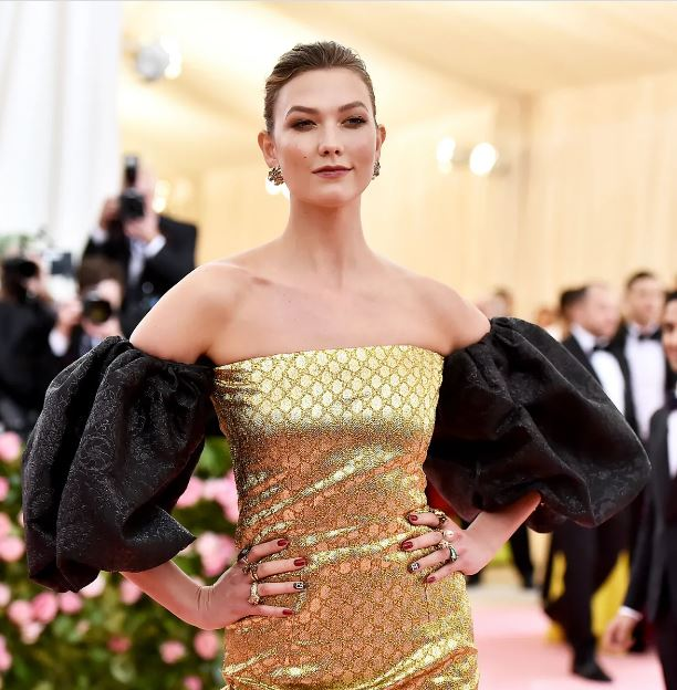 Karlie Kloss Contact Address, Phone Number, Whatsapp Number, Email ID, Website 22