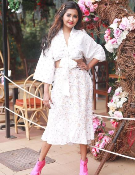 Kanchi Singh Contact Address, Phone Number, Whatsapp Number, Email ID, Website 22
