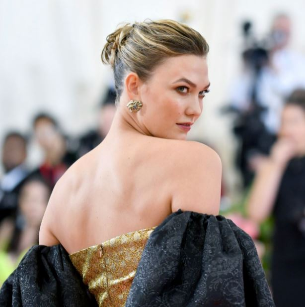 Karlie Kloss Contact Address, Phone Number, Whatsapp Number, Email ID, Website 17