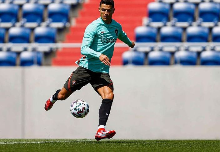 Cristiano Ronaldo Contact Address, Phone Number, Whatsapp Number, Email ID, Website 14