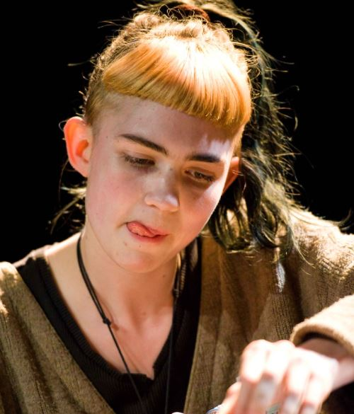 Claire Elise Boucher (Grimes) Contact Address, Phone Number, Whatsapp Number, Email ID, Website