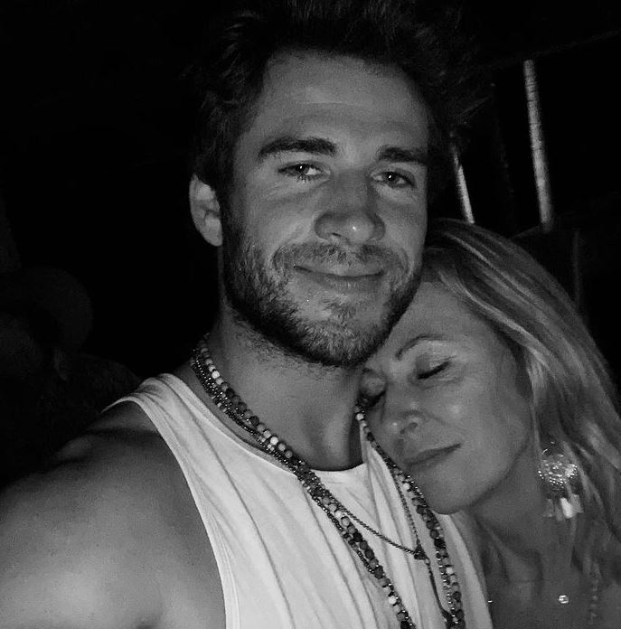 Liam Hemsworth Contact Address, Phone Number, Whatsapp Number, Email ID, Website 12