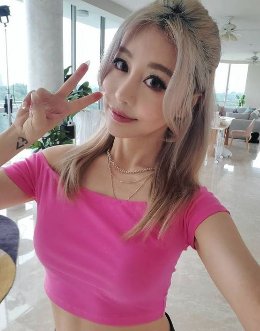 Wengie Contact Address, Phone Number, Whatsapp Number, Email ID, Website 12