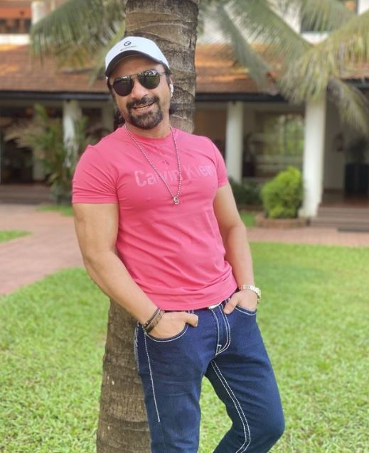 Ajaz Khan Contact Address, Phone Number, Whatsapp Number, Email ID, Website 18