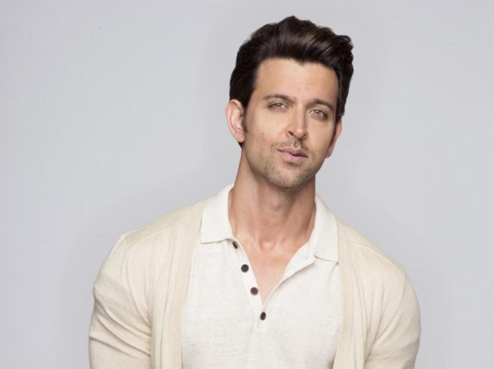 How to Meet Hrithik Roshan Personally and Face to Face 7