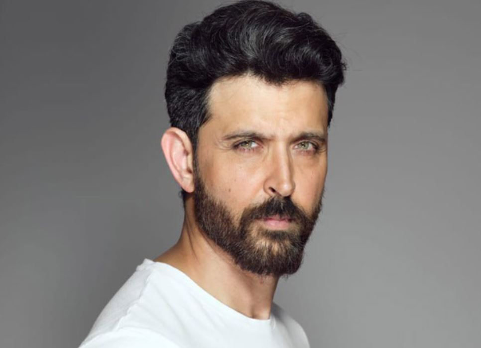 How to Meet Hrithik Roshan Personally and Face to Face 5