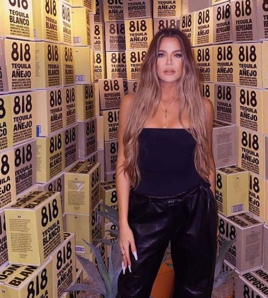 Khloé Kardashian Contact Address, Phone Number, Whatsapp Number, Email ID, Website 17