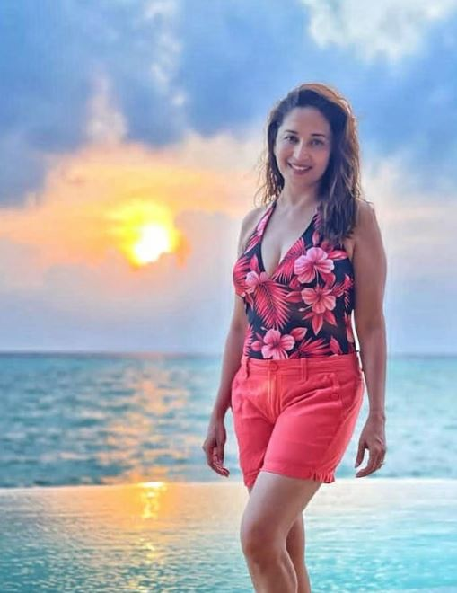 Madhuri Dixit Contact Address, Phone Number, Whatsapp Number, Email ID, Website 22